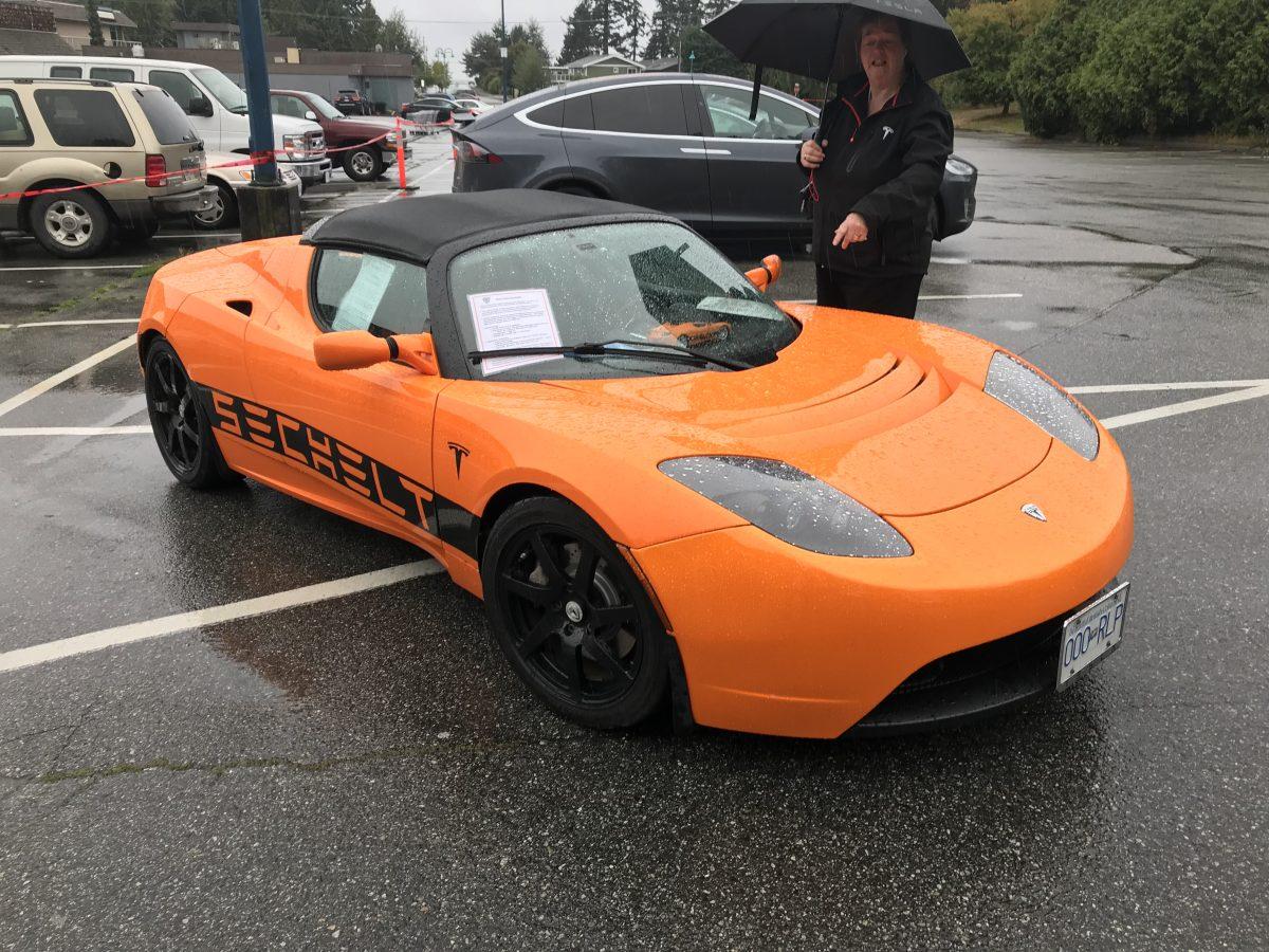 Tesla Roadster Sechelt
